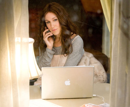 carrie-bradshaw-blogging